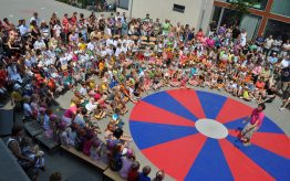 Circusdag: schoolbreed dagproject met voorstelling
