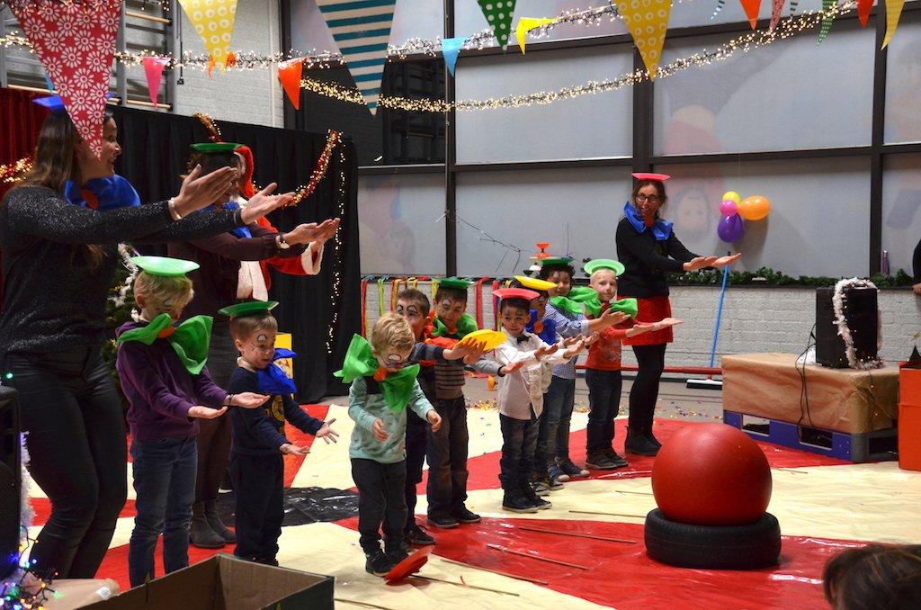 Kerst circus op school 3
